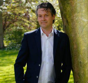 Albert-Jan Sluis, radiomaker, voice-over en stemacteur én drijvende kracht achter de Radioboeker.